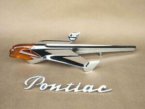 1954 PONTIAC AUTHENTIC ORIGINAL LIGHTED LUCITE HOOD ORNAMENT-EXCEPTIONAL COND