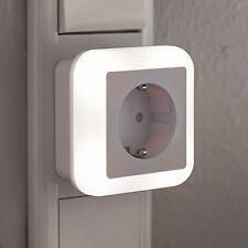 LED Nachtlicht Notlicht mit Steckdose 230V Dämmerungssensor Colour Lampe N15