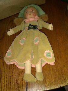 Vintage Norah Wellings Doll ORIG BOX 1930s Felt Old English Green 1110 A Braids
