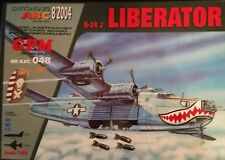 Consolidated B-24J Liberator 1:33 paper model kit 73cm long