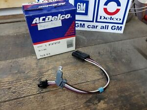 NOS OEM GM 1981-1982 C3 Corvette Distributor Terminal Block GM Part # 1979733