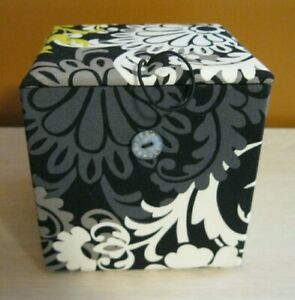 VERA BRADLEY BAROQUE BLACK GRAY YELLOW 2010 CUBE STORAGE JEWELRY BOX NEW