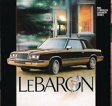 1983 CHRYSLER LEBARON FOLLETO con tabla de colores: Convertible,Town & País