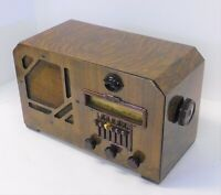 Antique 1938/39 Airline Model 62-361 Tabletop Radio Beautiful Radio.