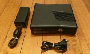 Microsoft Xbox 360 Console + AC Cables - PAL - Gaming - Matte Black - VGC