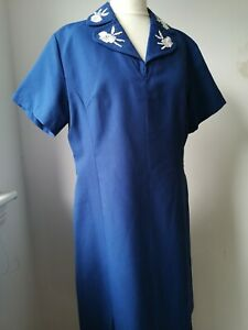 1960's Embroidered Collar Pleat Front Dress 12