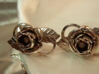 Vintage 1960's Very Lovely Detailed Silver Tone Rose Screw Back Earrings 710ag9