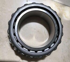 UD Trucks Wheel Bearing 4021700Z2A (NTN 4T 32218V5) Made in Japan [NEW IN BOX]