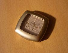 Soft eye shadow Mono wit-grijze oogschaduw van Catrice