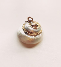 VINTAGE JEWELRY -1960s Gold & White Mother of Pearl Conch Shell Necklace Pendant