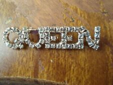 Vintage Motto Queen Clear Rhinestone Brooch Bling Pin Vgc