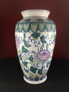 Beautiful Vase flower Pattern made in china