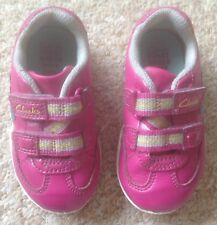 GIrl'S CLARKS PINK LIGHT UP TRAINERS - SIZE 4.5G INFANT (EXCELLENT CONDITION)