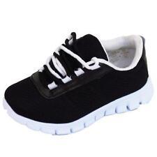 Markenlose Schuhe für Jungen