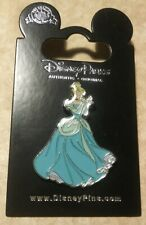 Disney Princess Cinderella Holding and Gazing upon Glass Slipper Pin 2020*New*