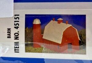 Bachmann Plasticville Barn Building Model Kit HO 45151