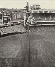 YANKEE STADIUM FOUL POLE GETS A NEW COAT OF PAINT FROM THE FEARLESS PAINTER