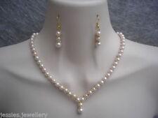 Collares y colgantes de bisutería color principal rosa de vidrio