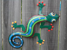 SMALL GECKO Recycled Metal Garden Wall Art Ornament & Home Decoration (15x20cm)