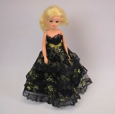 Vintage 1970s Pedigree Sindy Doll And Royal Occasion Dress 43026