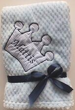 Kuschlige Jungen Babydecke Decke mit Krone und Namen bestickt  75 x 100 m NEU
