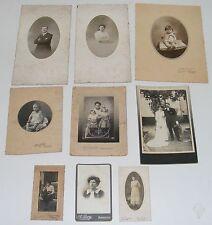 LOT DE 20 PHOTOS ANCIENNES PORTRAITS SUR CARTE HOMMES FEMMES ENFANTS /B1922