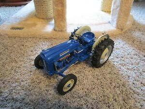 Ford New Holland Farm Toy Tractor Danbury Mint 2000 Displayed Used As Is