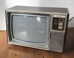 "Vintage Zenith 13"" Television A1382W Woodgrain TV 1984"