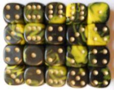 Componenti e accessori in plastica gialla per giochi di società