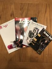 Collection de Guitar Music Books comprend (Red Hot Chili Peppers, Green Day,