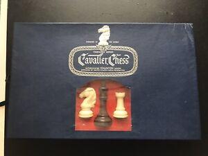 Cavalier Chess Tournament Edition STAUNTON DESIGN chess set 1967 Pacific Game Co