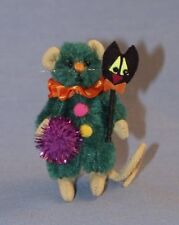 "DEB CANHAM'S ""SCAREDY CAT MOUSE"" GREEN MOHAIR MINI MOUSE-HALLOWEEN-CAT SCEPTER"
