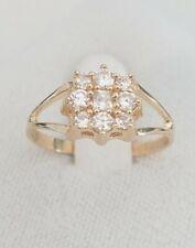 14k Gold Ring Flower white sapphire ladies ring size 8.5