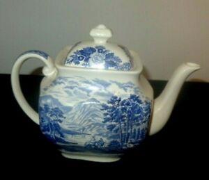 Cir 1935 Royal Warwick Lochs of Scotland Loch Loman Pattern  Blue & White Teapot