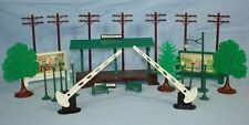 PLASTICVILLE USA RAILROAD ACCESSORIES TREES TELEPHONE POLES STATION PLATFORM