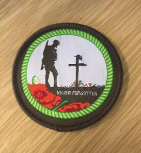 NEVER FORGOTTEN REMEMBERANCE WOVEN POPPY IRON ON PATCH -BRITISH ARMY WAR VETERAN