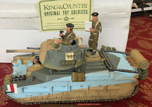 King & Country Infantry Tank And 3 British Eigth Army soldiers -2002 - In Box