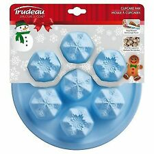Trudeau Structure 7 Cup Holiday Snowflake Silicone Cupcake Pan / Muffin Mold