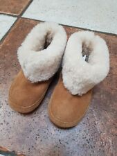 girls boots from M&S NEW size 5 (21.5) real sheepskin boots very warm