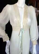 BEAUTIFUL Vintage 1930s White & Blue Silk & Alencon Lace Peignoir Robe
