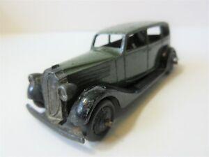 Dinky Toys Version Vauxhall Four Door Saloon Car - 1930's Dinky Toy Car Green