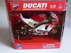 Ducati Desmosedici GP 2015, #29 A. Iannone, NewRay Motorrad Modell 1:12