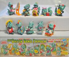 KINDER FERRERO SURPRISE SERIE COMPLETA DROLLY DAPSY DINOS FAMILY +1 CARTINA (D)