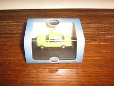 OXFORD DIE-CAST - BMW 2002 IN YELLOW -  00 gauge /1:76