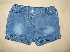 Short bleu clair en jean C&A pour bébé fille taille 6 mois 68 cm - TBE