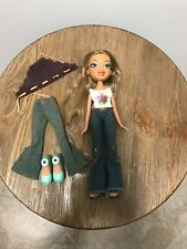 Bratz Wild West Yasmin dressed, with an extra pair of pants and shoes