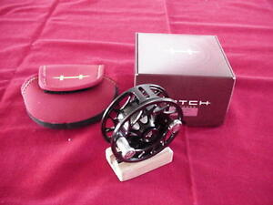 Hatch Outdoors Finatic 3 Plus Large Arbor Black/Silver Fly Reel GREAT NEW