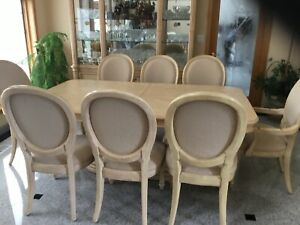 Bernhardt dining room set wood, 1 table, 8 chairs, 2 leaves and a china cabinet