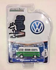 GREENLIGHT 1:64 Series 3 Club V-Dub Green & White 1977 VOLKSWAGEN Type 2 BUS