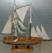 """7DD54 MODEL SHIP: BLUE NOSE, 15-1/2"""" OVERALL LENGTH, DUSTY FROM DISPLAY, GC"""